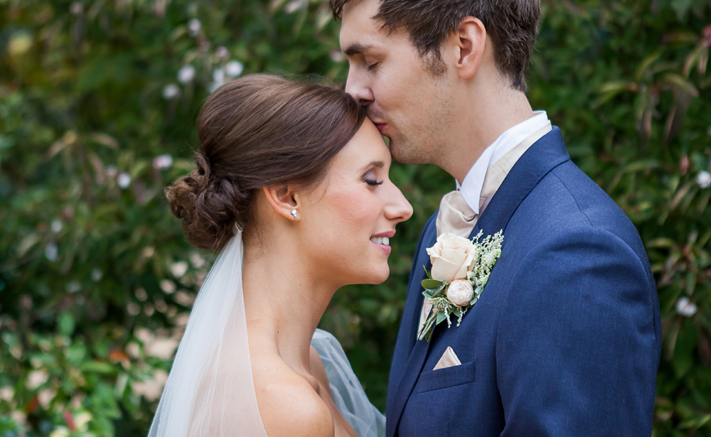 bride and groom photography Oundle