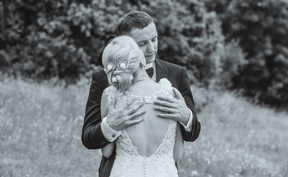 couples wedding photographers Oundle